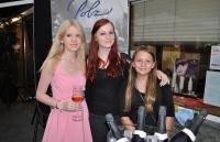 Christiane Baldauf mit Anna und Lara Polz (Foto Hedi Grager)