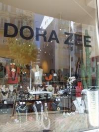 Dora Zee in Biarritz (Foto Hedi Grager)