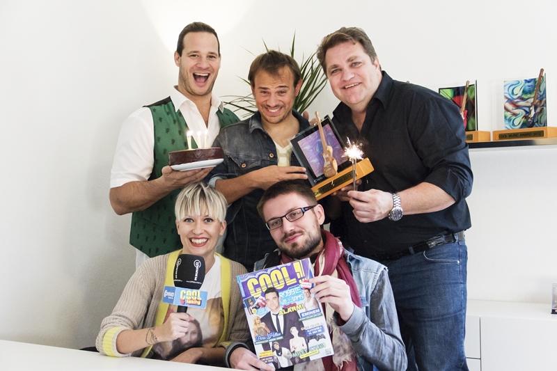 Cool Magazin Hrsg. Markus 'Gonzo' Renger, Cool Music Award Gewinner 2013 Leo Aberer, Inhaber Michael Hüttler, Chefred. Tina Veit und Redakteur Daniel Gräbner (Foto Philipp Lihotzky)