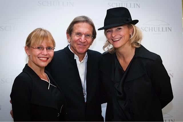 Dr. Beatrix Karl mit Hans und Anne Marie Schullin (Foto Schullin)