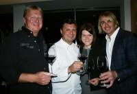 Gastronom Franz Grossauer, Haubenkoch Christof Widakovich, Restaurantleiterin Stefanie Hallemann, Starwinzer Leo Hillinger (Foto Christina Dow)