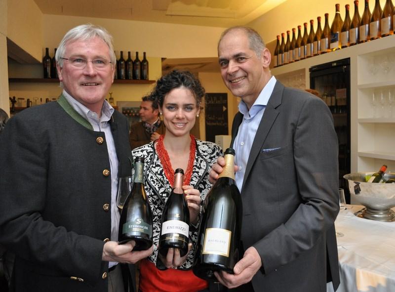 Sieger: Sauvignon Brut 2012 von Karl Steininger aus dem Kamptal, weitere Gäste waren Lisa Marie Endrizzi aus dem italienischen Trentino und Volker Raumland aus Deutschland (Foto Hui-Mei Stöckl)