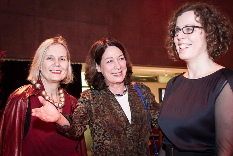 Brigitte Bidovec, Kathryn List und Barbara Pichler am Eröffnungsabend der Diagonale in der List-Halle (Foto Lukas Maul)