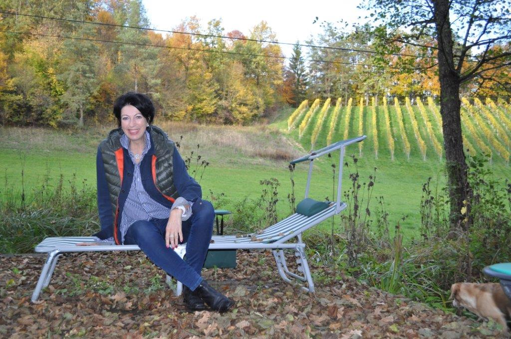 Zuhause in der Südsteiermark holt sich Iris Vermillion Kraft und Energie (Foto Reinhard Sudy)