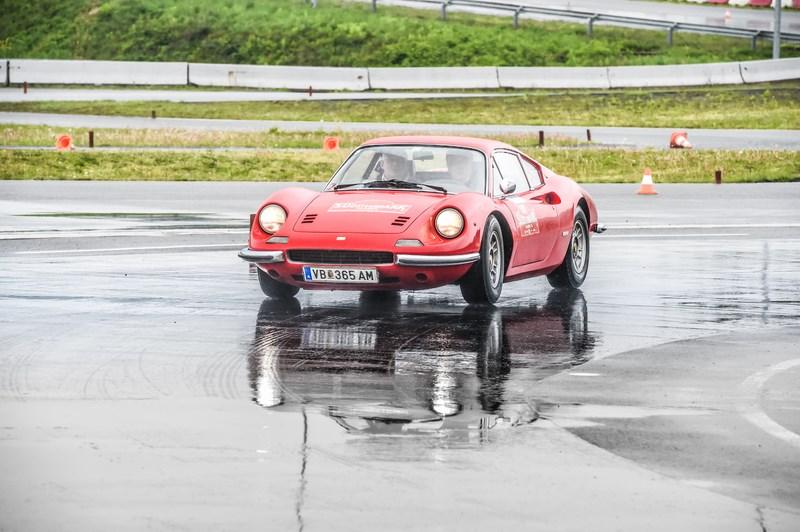 Sieger der Nachkriegsklasse ab dem Baujahr 1950: Reinhard Huemer und Johann Watzinger auf Ferrari Dino 246 GT (1972)