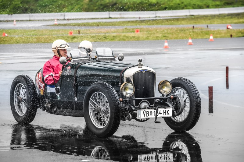 Sieger der Vorkriegsklasse bis Baujahr 1949: Alfred und Christoph Jodl auf Rally NCP (Baujahr 1932)