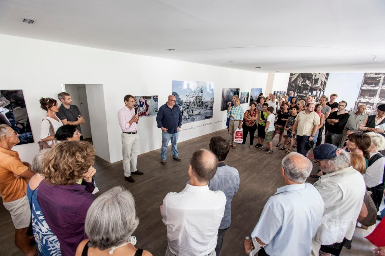 Marco Longari zeigte bei einer Ausstellung im Grazer Atelier Jungwirth 29 erschütternde Aufnahmen von Gaza (Foto Jungwirth)