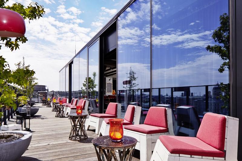 Auf der Dachterrasse des 25hours Hotel Wien (Foto 25hours Hotel)
