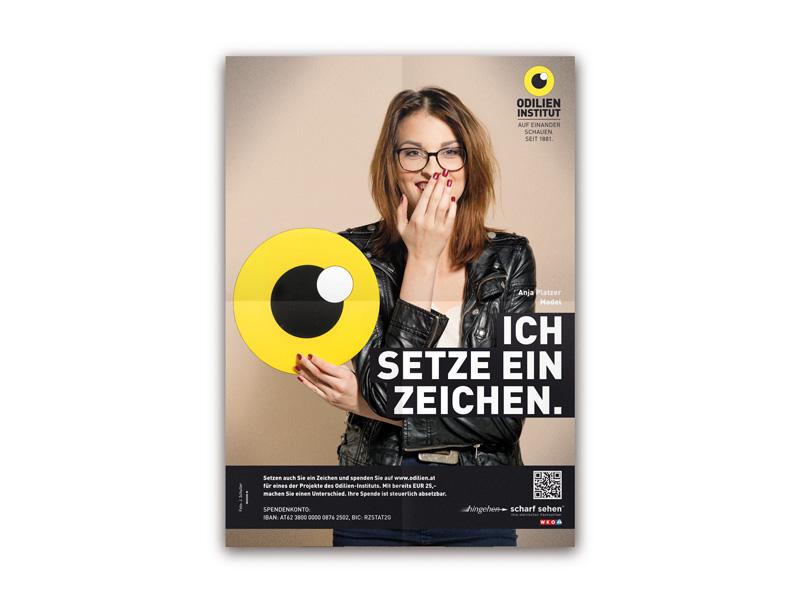 """Model Anja Platzer """"Ich setze ein Zeichen"""" (Foto Florian Lierzer)"""