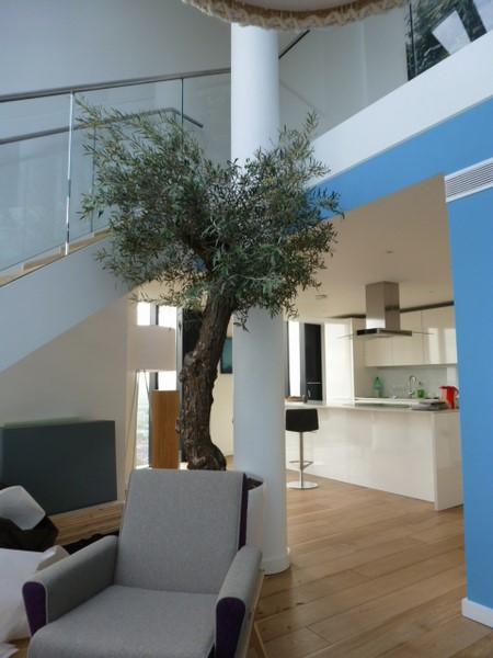 Die Wohnung von Designer Georg Öhler im Strata Wohnturm in Southwark/London (Foto Hedi Grager).