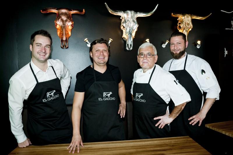 Kochexperten unter sich: Jürgen Kleinhappl, Christof Widakovich, Steakexperte Daniel aus Argentinien und Dominik Connerth (Foto Werner Krug)