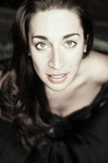 Die Kalifornierin Solmaaz Adeli hat in Wien und in Graz Musik studiert