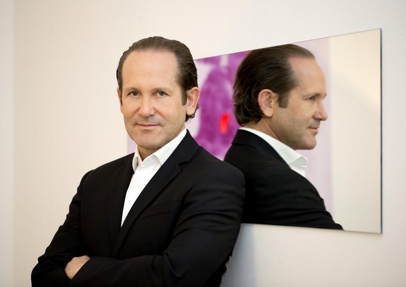 """Dr. Jörg Knabl: """"Mein Beruf ist tatsächlich eine Berufung, weil ich sehr liebe was ich mache"""" (Foto feel image – Fotografie e.U.)"""