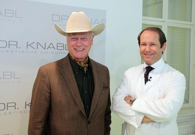 Auch der Schauspieler Larry Hagman war schon zu Besuch bei Dr. Knabl.