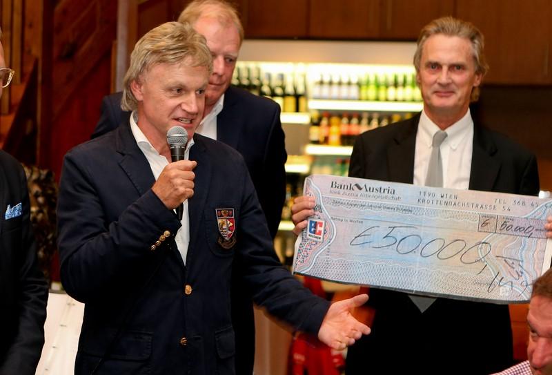 """Siegmund Birnstingl, Gründer, Mastermind und (ehrenamtlicher) Manager der Initiative """"Golfen mit Herz"""", die heuer 10-jähriges Jubiläum feierte, mit Univ.Prof.Dr. Christian Urban (Foto GEPA)"""