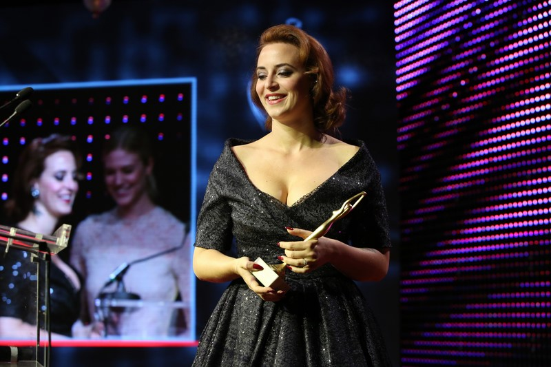 Lena Hoschek betonte ihre Freude, dass sie den Preis in der Kategorie Wirtschaft bekam (Foto Ludwig Schedl)