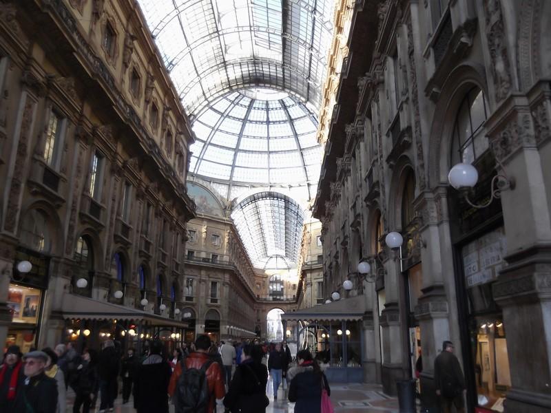 Die Galleria Vittorio Emanuele II in Mailand ist eine nach dem Einiger Italiens, König Viktor Emanuel II., benannte überdachte Einkaufsgalerie aus dem 19. Jahrhundert (Foto Hedi Grager)