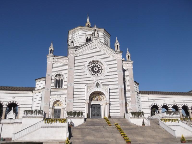 Der Cimitero Monumentale von Mailand ist ein 1866 eröffneter Zentralfriedhof mit zahlreichen künstlerisch interessanten oder sonst berühmten Gräbern. Der Haupteingang befindet sich am Piazzale del Cimitero Monumentale (Foto Hedi Grager)