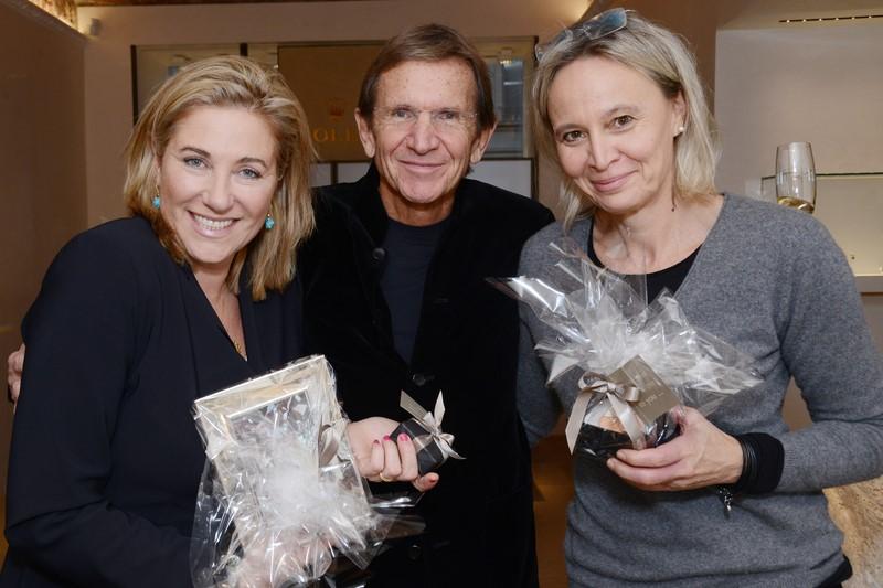 Hans Schullin mit den Gewinnerinnen Birgit Maderl und Modedesignerin Theresa Schöffel (Foto GEOPHO by Jorj Konstantinov)