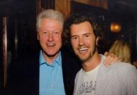 Blake Mycoskie mit Bill Clinton