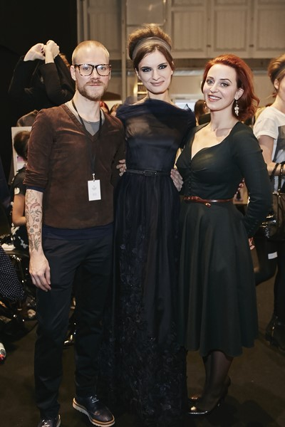 Designerin Lena Hoschek mit Thomas Kirchgrabner, Couturier des Labels, backstage (Fotos Getty Images)