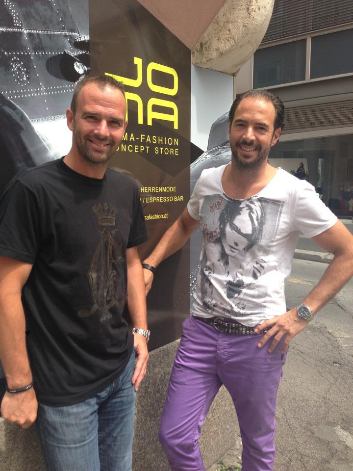 Auch Fußball-Legende Mario Haas lässt sich gerne von Markus Jocher beraten.