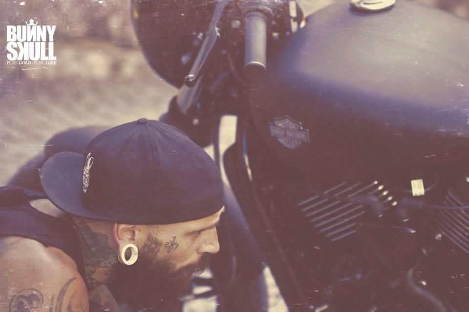 Mike Harley Waldez liebt alte Autos und Motorräder (Foto L.S. Photography)