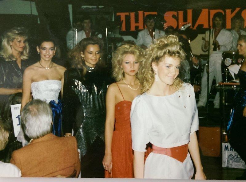 """Bei der Miss Austria Wahl 1987 wurde Monika Cetin zur """"Miss Symphatica"""" gewählt."""