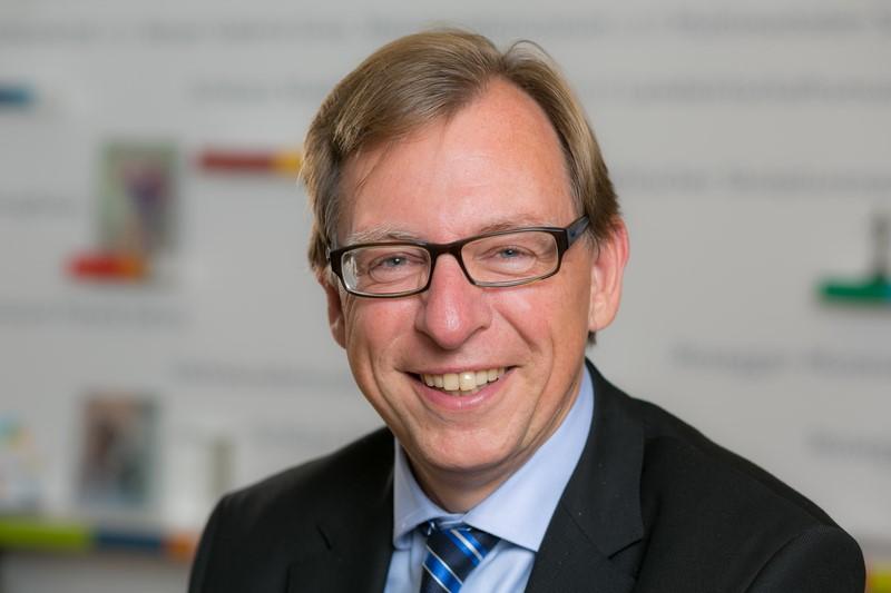 """Sehr am Herzen liegt LR Dr. Christian Buchmann das Projekt """"Datenhighway"""". Dieser soll laut Masterplan bis 2022 allen Steirern ein schnelles Breitband-Internet zur Verfügung stellen (Foto Robert Frankl)"""