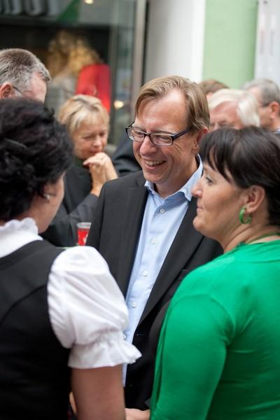 LR Dr. Christian Buchmann bei der Büroeröffnung 02© REGIONALE12 (Foto Nikola Milatovic)