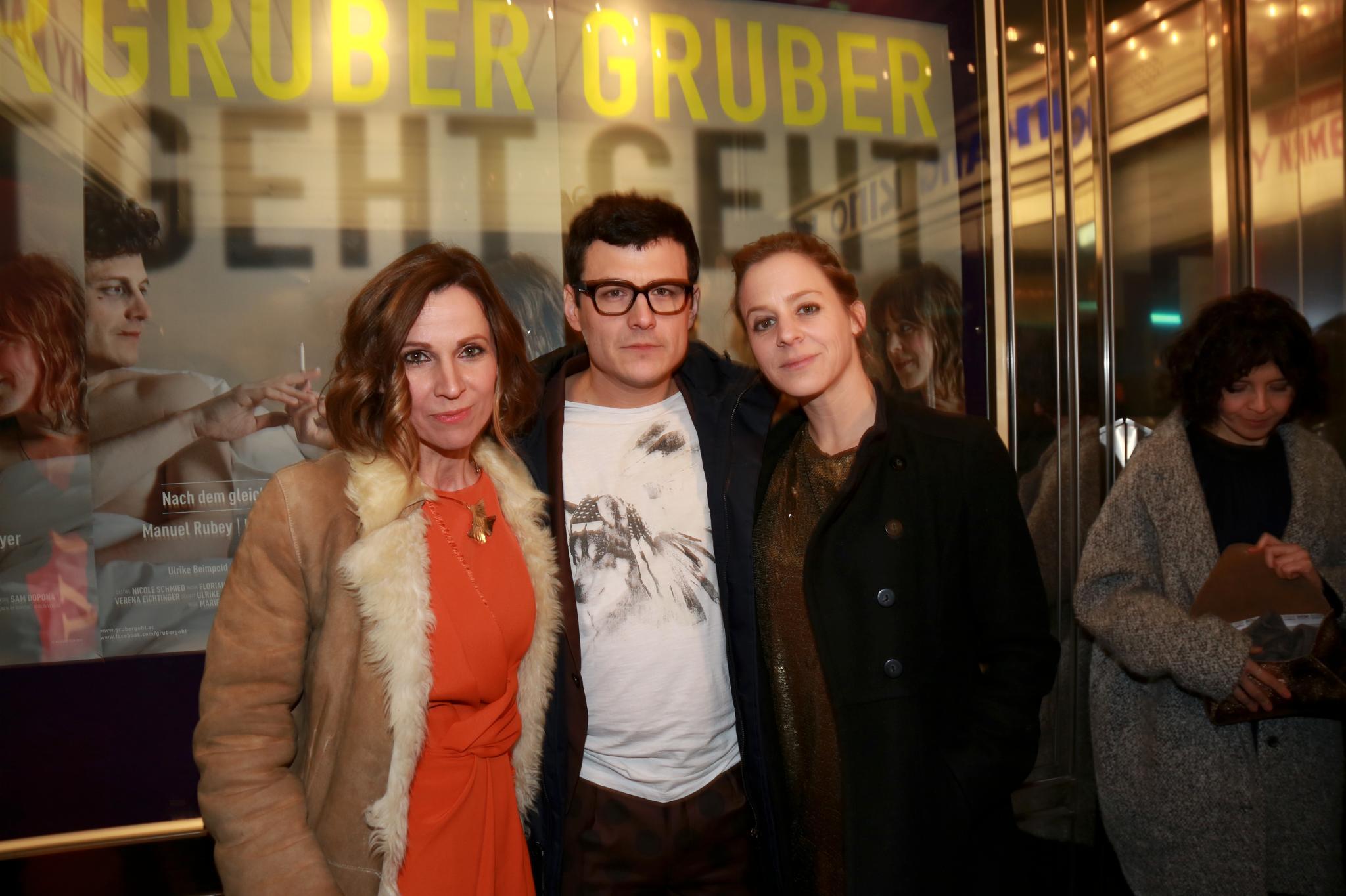 """Kinopremiere """"Gruber geht"""" mit Doris Schretzmayer, Manuel Rubey, Bernadette Heerwagen (© Schöndorfer/Thimfilm)"""
