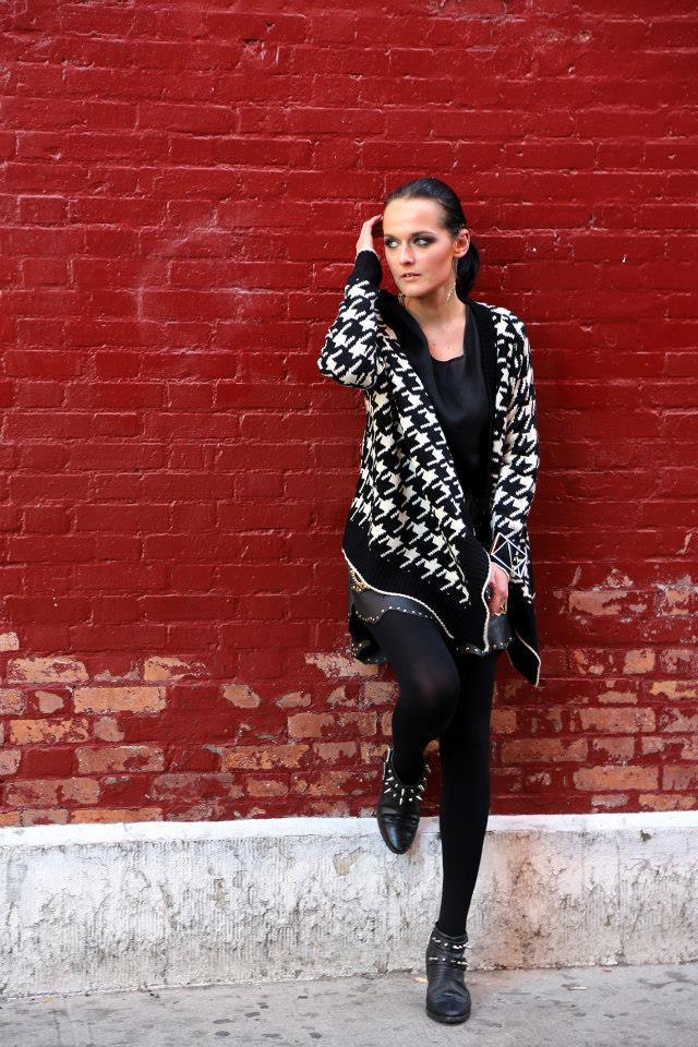 Die erfolgreiche steirische Designerin Eva Poleschinski bereitet sich auf die Fashion Week in Warschau und New York vor (Foto Nadine Marie Wohlmuth)