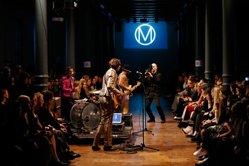 """Die Band """"lilabungalow"""" spielte das Show Opening bei Marcel Ostertag (Foto Getty Images)"""