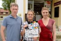 """Andreas Lust, Regisseurin Barbara Eder und Franziska Weisz in """"Kreuz des Südens"""" (Foto ORF/Lotusfilm/Oliver Roth)"""