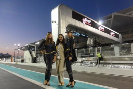 Brand Embassy Promotion Girls bei der Bentley GT3 World Premiere (Foto Brand Embassy)