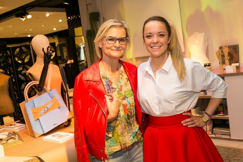 Marina Hoermanseder bei Kastner & Öhler Graz. Hier im Pressegespräch mit Hedi Grager (Foto Robert Frankl)
