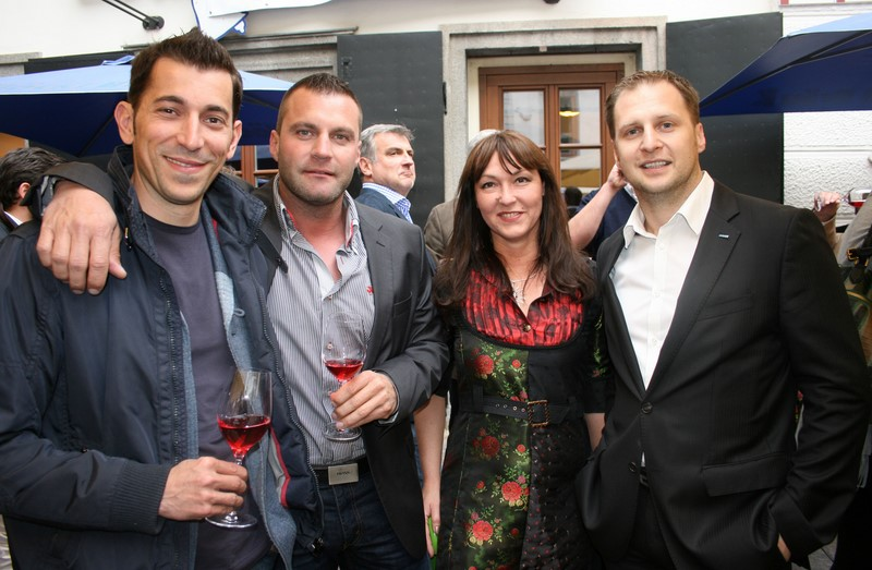 Robert Kogler, Markus Pranger, Sylvia Baumhackl und Siegfried Wurzinger waren von der 9. Ausgabe des Schlossberg Magazins begeistert (Foto Christina Dow)