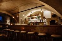 Stern Bar