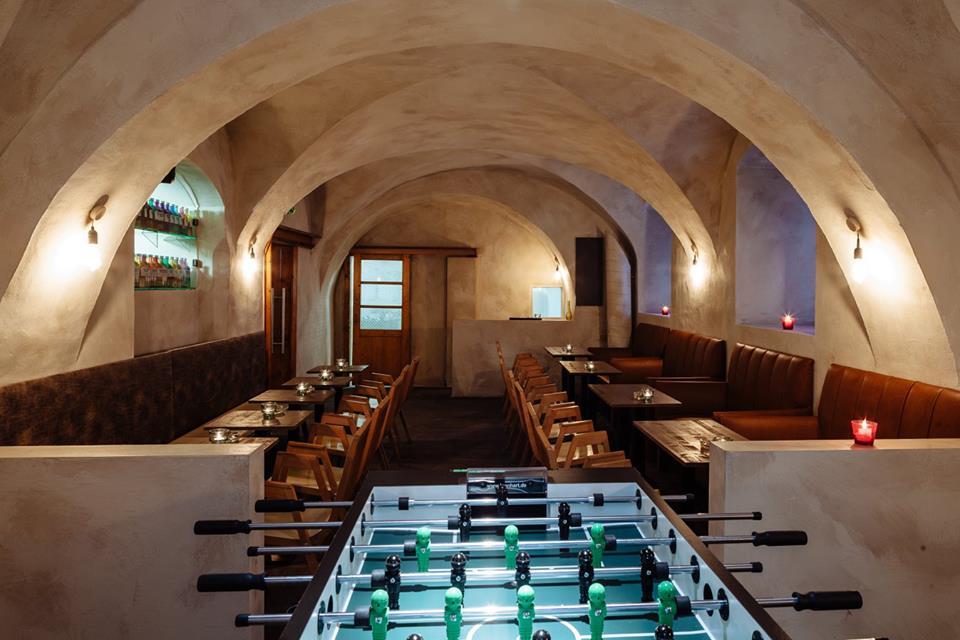 Stern Bar (4)