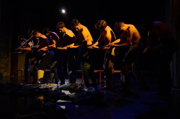 Zeitgenössische Tanzkunst aus Graz trifft auf berührende Geschichten aus Pristina: YOUR STORIES, MY STORY (Foto (c) Bardha Neziri)