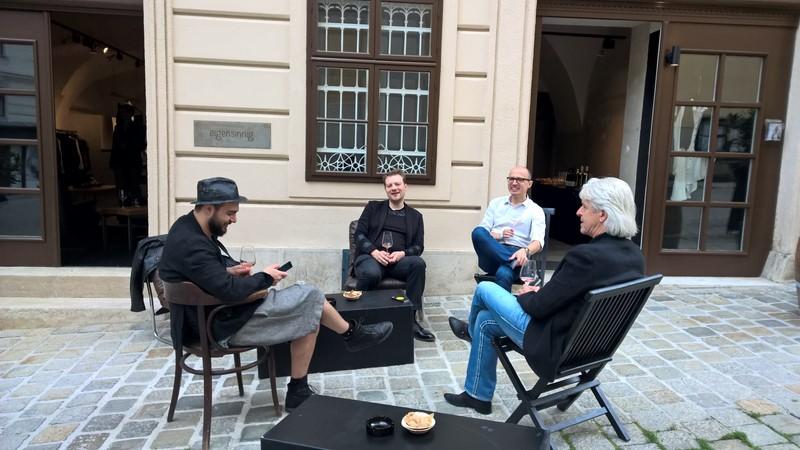 Toni Tramezzini (eigensinnig), Oliver Goetz (Alt Wien Kaffee), Christoph Artner (Weingut Artner) und Reinhard Sudy (www.reisepanorama.at) (Foto Hedi Grager)