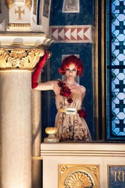 Auch die CAMPARI DAMEN begaben sich dank der österreichischen Designerin Eva Poleschinski auf die Reise rund um das Jahr 1900 (Foto Marlene Rahmann, Hair&Make Up: Sandra Pichler)