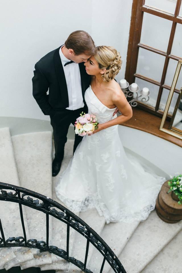 Ein schönes Paar: Yvonne Rueff und Robert Schleicher beim Styled Wedding Shooting (Foto: Julia und Gil / Weddingplanery)
