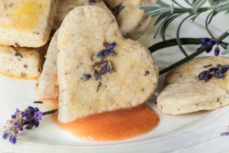 Neu sind die köstlichen Lavendelkekse Peter Pan (Foto Polz Garten)
