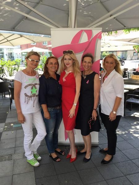 1. Pink-Ribbon Ladies Lunch im Leibnitzer Cafe Elefant: Hedi Grager, Renate Polz, Christiane Baldauf, LAbg. Ingrid Gady und Beatrix Drennig (Foto Kerstin Reinprecht)