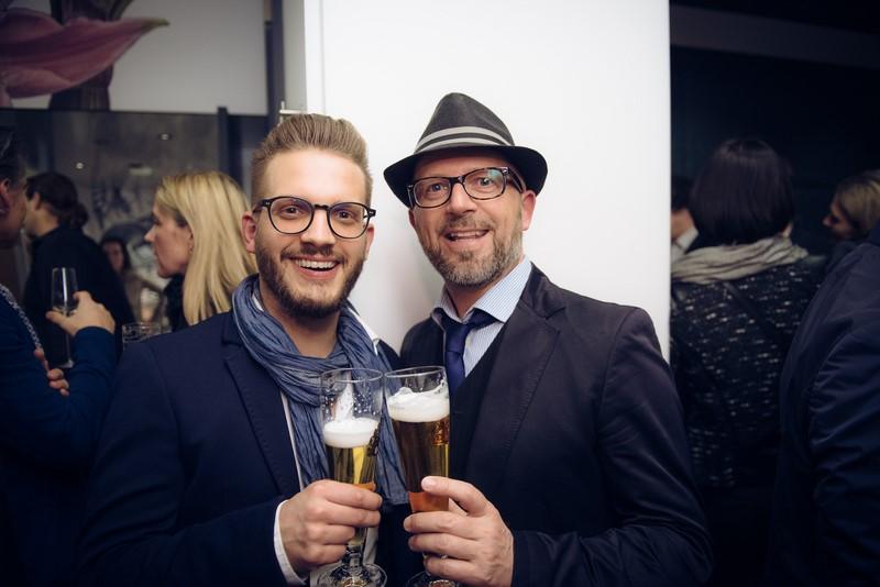 Simon Possegger, hier mit Musiker Johannes Lafer, ist das 'Gesicht des Promenade' (Foto Joel Kernasenko)