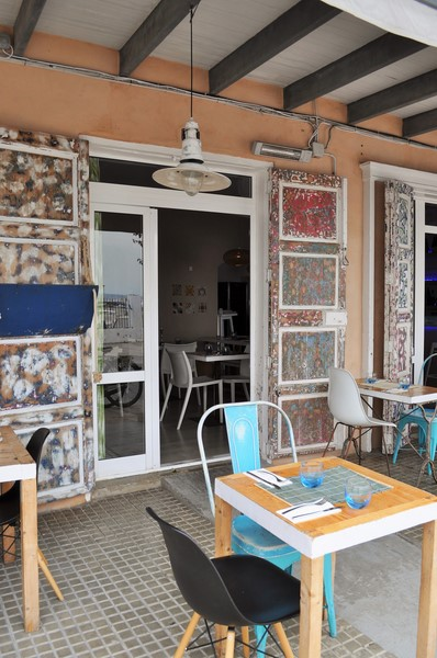 Die wunderschönen alten Türen des Restaurants Ca'n Punta (Foto Reinhard Sudy)