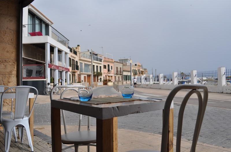 Aussicht vom Ca'n Punta auf den malerischen Hafen von El Molinar (Foto Reinhard Sudy)