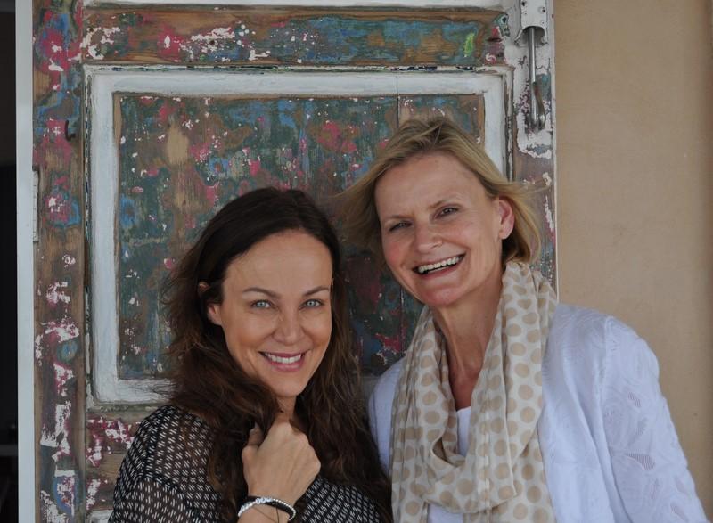 Zu Besuch in Sonja Kirchberger's Restaurant Ca'n Punta: Sonja Kirchberger und Hedi Grager (Foto Reinhard Sudy)