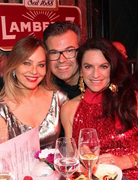 Ornella Muti, Reinhard Maetzler und Christine Neubauer bei der Lambertz Monday Night 2015 in Köln (Foto Gisela Schober/Getty Images)